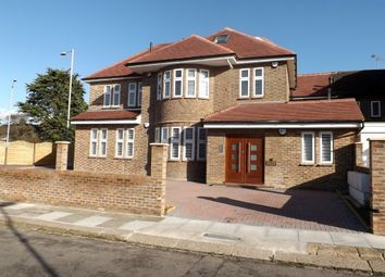 Thumbnail 2 bedroom property to rent in Ashcombe Gardens, Edgware