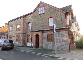 Thumbnail 2 bedroom flat to rent in New Street, Horsham