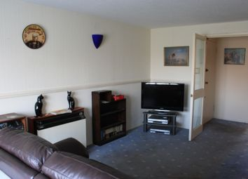 Thumbnail 2 bed flat to rent in Coe Av, Woodside
