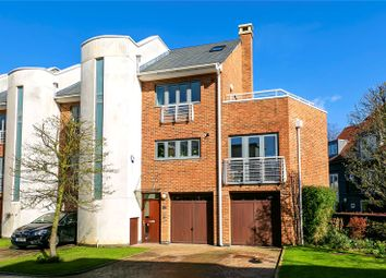 4 bed property for sale in Tallow Road, Brentford TW8