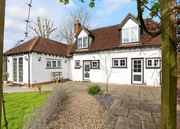 Thumbnail 2 bed cottage to rent in Stoke Row Road, Kingwood, Henley-On-Thames