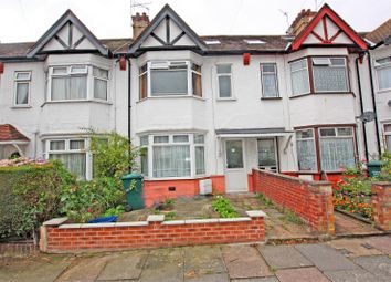 5 bed property to rent in Wroughton Terrace, Hendon NW4