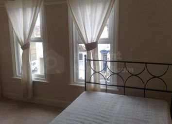 4 bed shared accommodation to rent in Cecil Road, Rochester, Kent ME1