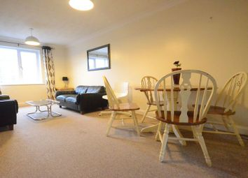 Thumbnail 2 bed flat to rent in Sidmouth Street, Reading