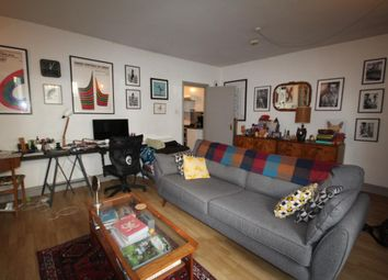 Thumbnail 1 bed flat to rent in Beresford Road, Highbury, London
