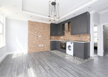 Thumbnail 3 bedroom flat to rent in Brooke Road, Stoke Newington