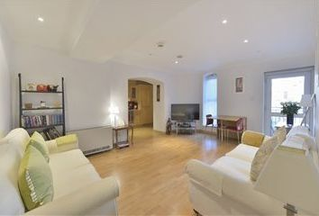 Thumbnail 1 bed flat to rent in 2 Broken Wharf, London