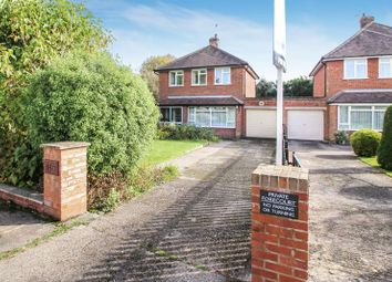 Thumbnail 3 bed detached house for sale in Amersham Road, Hazlemere, High Wycombe