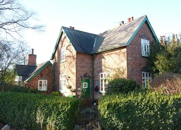 Thumbnail 2 bed cottage for sale in The Avenue, Great Coates, Grimsby