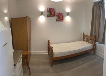 Thumbnail Studio to rent in High Street, Wealdstone, Harrow