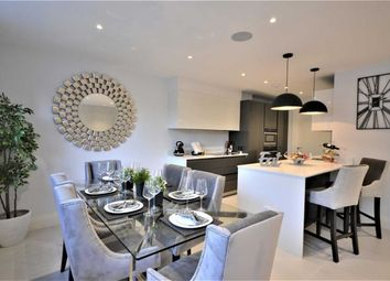 Thumbnail 3 bed flat to rent in Crestbay House, Hadley Wood, Hertfordshire