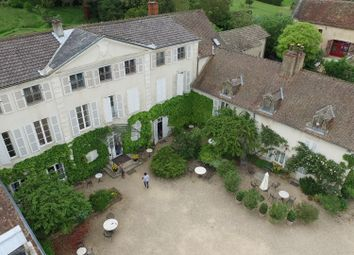Thumbnail Hotel/guest house for sale in Monatgny-Lés-Buxy, Saint-Vallerin, Buxy, Chalon-Sur-Saône-Et-Loire, Burgundy, France