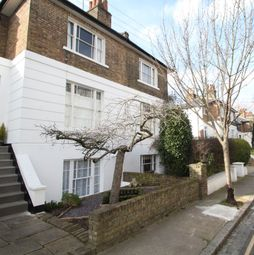 Thumbnail 2 bed flat to rent in Crane Grove, Holloway, London