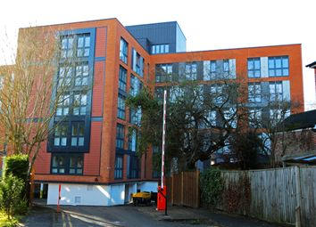 Thumbnail Flat to rent in Vista House, London Road, Dorking
