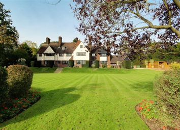 Thumbnail 7 bed property for sale in Yewlands, Hoddesdon, Hertfordshire