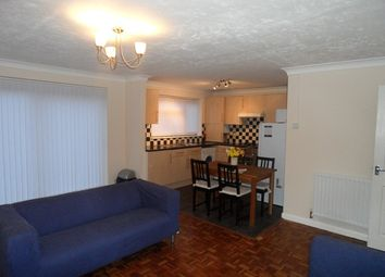 Thumbnail 2 bed maisonette to rent in Common Road, Langley, Slough