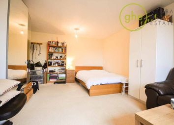 Thumbnail Studio to rent in Telegraph Place, London