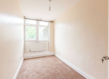 3 bed maisonette to rent in Stockwell Park Road, Brixton, London SW90Ug SW9