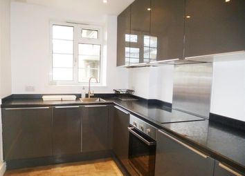 Thumbnail 3 bed flat to rent in Murphy Street, London