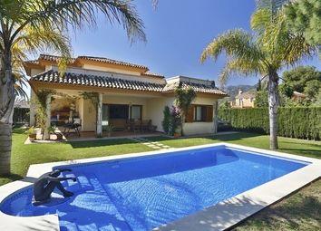 Thumbnail 6 bed villa for sale in Los Arqueros, Spain