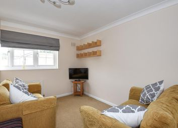 2 bed maisonette to rent in Moscow Road W2,