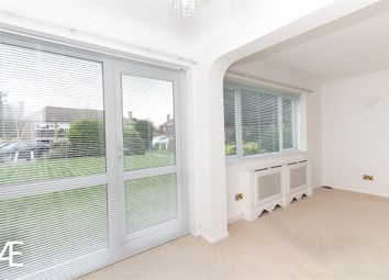 2 bed flat to rent in Trinity Close, Bromley, Kent BR2