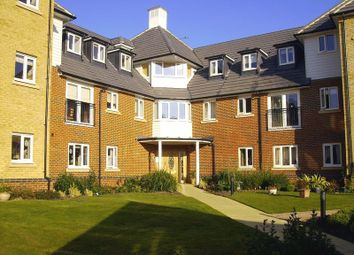 Thumbnail 2 bed flat for sale in Windsor Court, Ashford