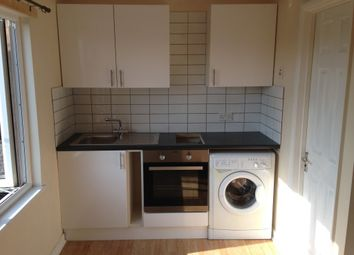 Thumbnail 1 bed flat to rent in Earlswood Road, Redhill