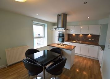 Thumbnail 2 bed flat to rent in Dunlop Street, Glasgow, Lanarkshire G1,