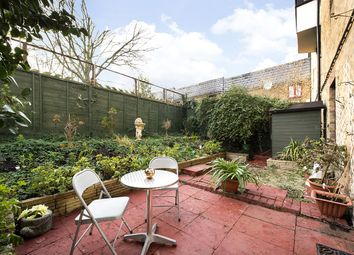Thumbnail 1 bedroom flat for sale in Bredgar Road, Archway, London