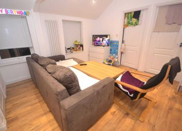 Thumbnail 2 bed flat to rent in Erleigh Road, Reading