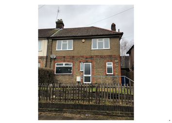 3 bed semi-detached house to rent in Sturgess Avenue, Hendon NW4