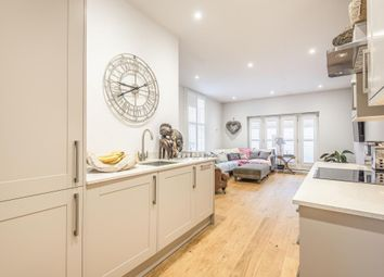 Henley-On-Thames, South Oxfordshire RG9. 2 bed flat