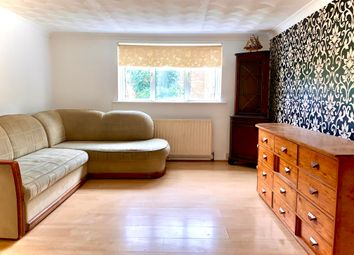 3 bed flat to rent in Weston Lane, Southampton SO19