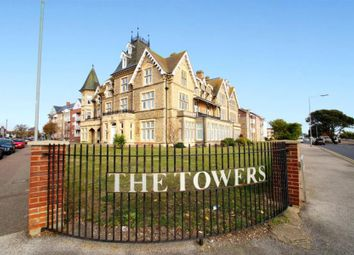 Thumbnail 2 bed flat to rent in Vista Road, Clacton-On-Sea