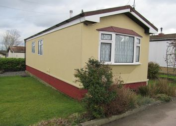 Thumbnail 1 bed mobile/park home for sale in Bryant Row, Lakeview Residential Park (Ref 5825), Cummings Hall Lane, Noak Hill, Romford, Essex