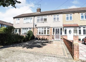 Clyde Crescent, Upminster RM14. 3 bed terraced house