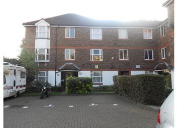 Thumbnail 2 bed flat to rent in Fiveacre Close, Thornton Heath