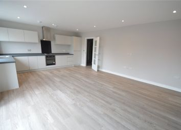2 bed flat to rent in Pampisford Road, Purley CR8