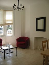 Thumbnail 1 bed flat to rent in Linscott Road, London