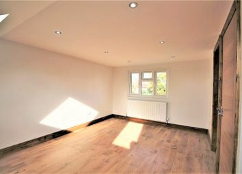 Thumbnail 2 bed flat to rent in Hamilton Road, London