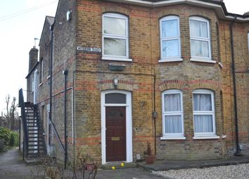 1 bed flat to rent in Western Road, Gidea Park, Romford RM1
