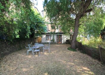 Thumbnail 4 bed flat to rent in Parkhurst Road, Islington