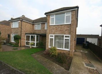 Thumbnail 3 bed property to rent in Grovelands Avenue, Hitchin