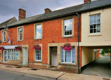 Thumbnail 2 bed flat to rent in High Street, Lechlade