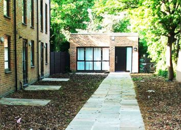 Thumbnail 2 bed property to rent in Winns Mews, Seven Sisters
