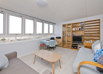 Thumbnail 1 bed flat to rent in Strasburg Road, Battersea
