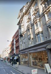 Thumbnail 1 bed flat to rent in Wimpole Street, London
