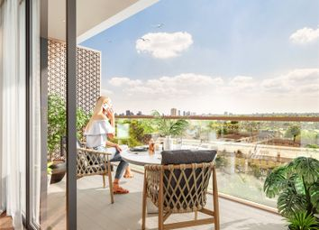 King's Road Park, King's Road, London SW6. 2 bed flat for sale