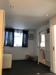 Thumbnail Studio to rent in Grantham Gardens, Chadwell Heath
